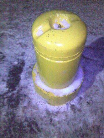 Столбик бетонный парковочный с кольцом и покраской
